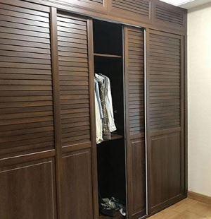 卧室中定制衣柜颜色的选择和放置建议